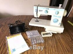 1984 Singer 4016 Sewing Machine With Original Singer Leather Case-Tested/Working