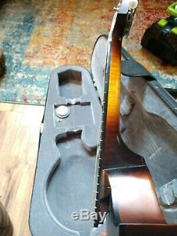 Gibson F9 Mandolin 2006 Used with original softshell case, leather strap