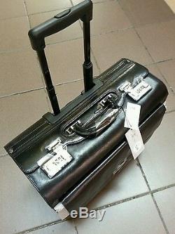 Leather pilot case on wheels Hi Grain Italian Leather cognac or black