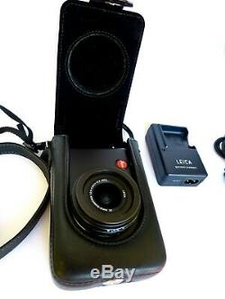 Leica D-LUX 4 in excellent condition + original leather case and handgrip
