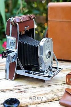 Polaroid Land Camera Model 95A With Original Polaroid Leather Case (1P)