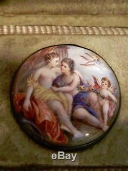 Rare Pair Of 18th Century German Enameled Buttons In Original Leather Case
