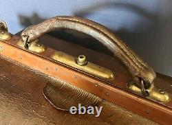 Vintage Gladstone / doctors Leather case bag Circa 1920 No Monogram Medium size