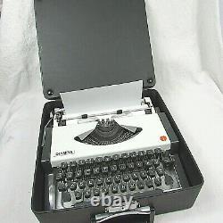 Vintage Olympia Traveler Manual Typewriter withOriginal Leather Travel Case 1976
